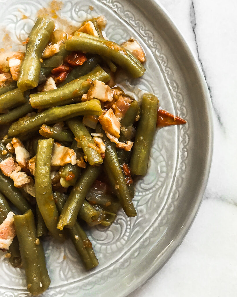 Braised Green Beans with Bacon and Tomatoes