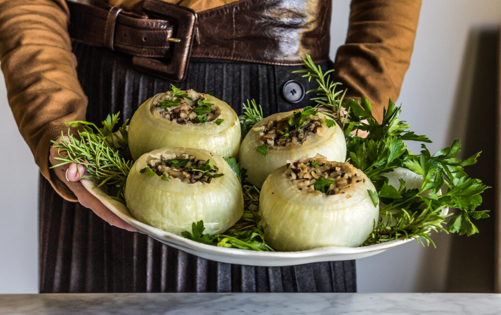 Braised Stuffed Onions